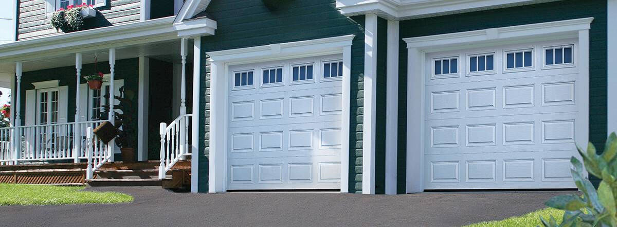 Classic CC, 9' x 7', Ice White, windows with Richmond Inserts